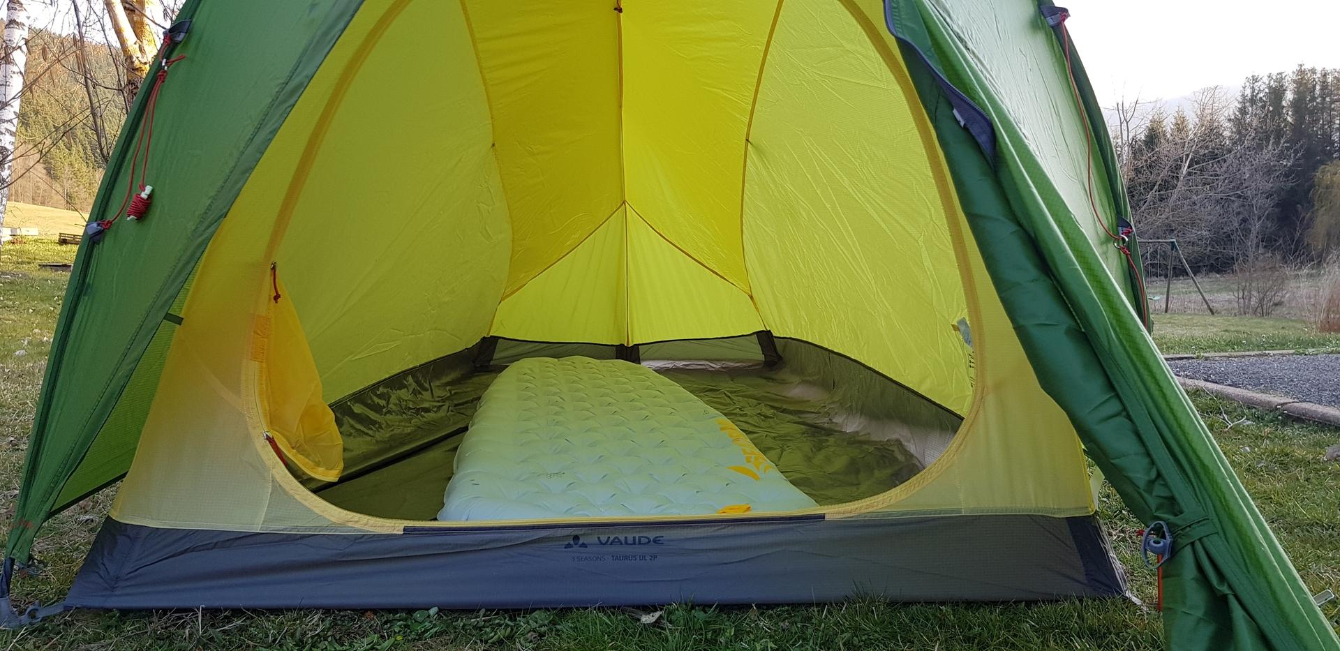 Tente 2 places avec une porte / abside