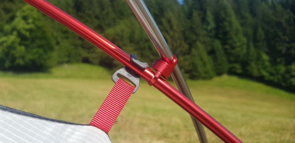 Arceaux en aluminium avec codes couleurs pour faciliter la mise en place